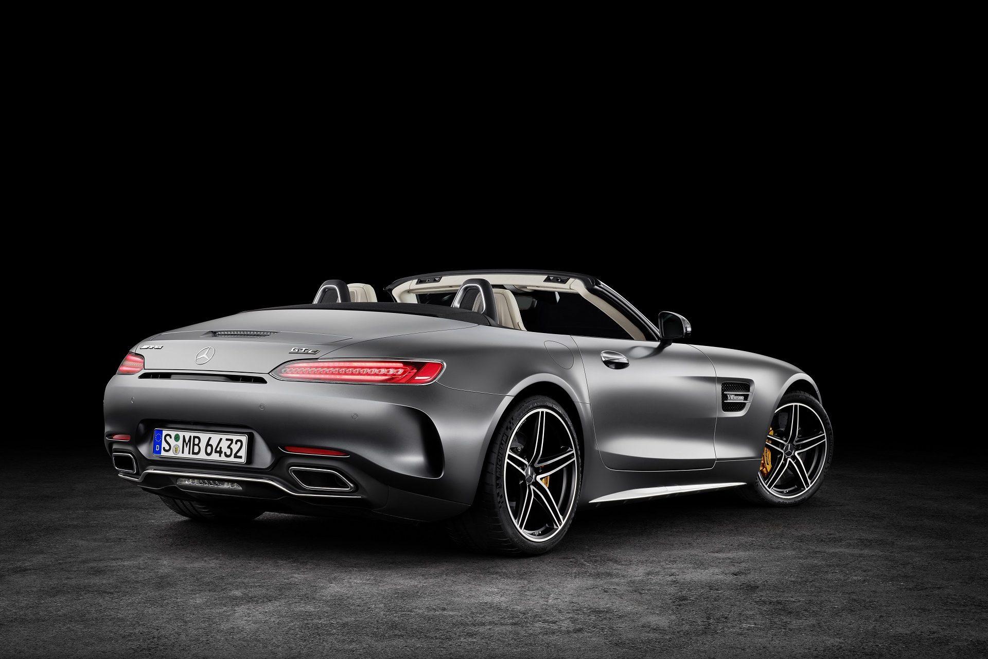 AMG GT C Roadster (R 190), 2016; Exterieur: designo selenitgrau magno; Interieur: Leder Nappa Exklusiv macchiatobeige; Kraftstoffverbrauch kombiniert: xx.x l/100 km, CO2-Emissionen kombiniert: xxx g/km//AMG GT C Roadster (R 190), 2016; exterior: designo selenit grey magno; interior:Nappa leather exclusive macchiato beige; fuel consumption, combined: xx,x l/100 km; combined CO2 emissions: xxx g/km