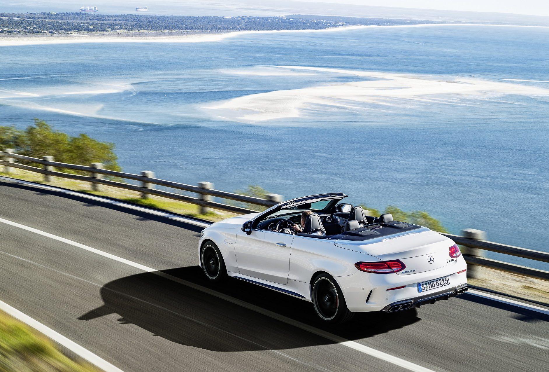 Mercedes-AMG C 63 S Cabriolet( A 205); 2016; Exterieur: designo diamantweiß bright; Interieur: AMG Leder Nappa platinweiß pearl/schwarz ;Kraftstoffverbrauch kombiniert (l/100 km):  8,9, CO2-Emissionen kombiniert (g/km): 208  Mercedes-AMG C 63 S Cabriolet( A 205); 2016; exterior: designo diamond white bright; interior: AMG nappa leather platinium white pearl/black; Fuel consumption, combined (l/100 km): 8.9, CO2 emissions, combined (g/km): 208