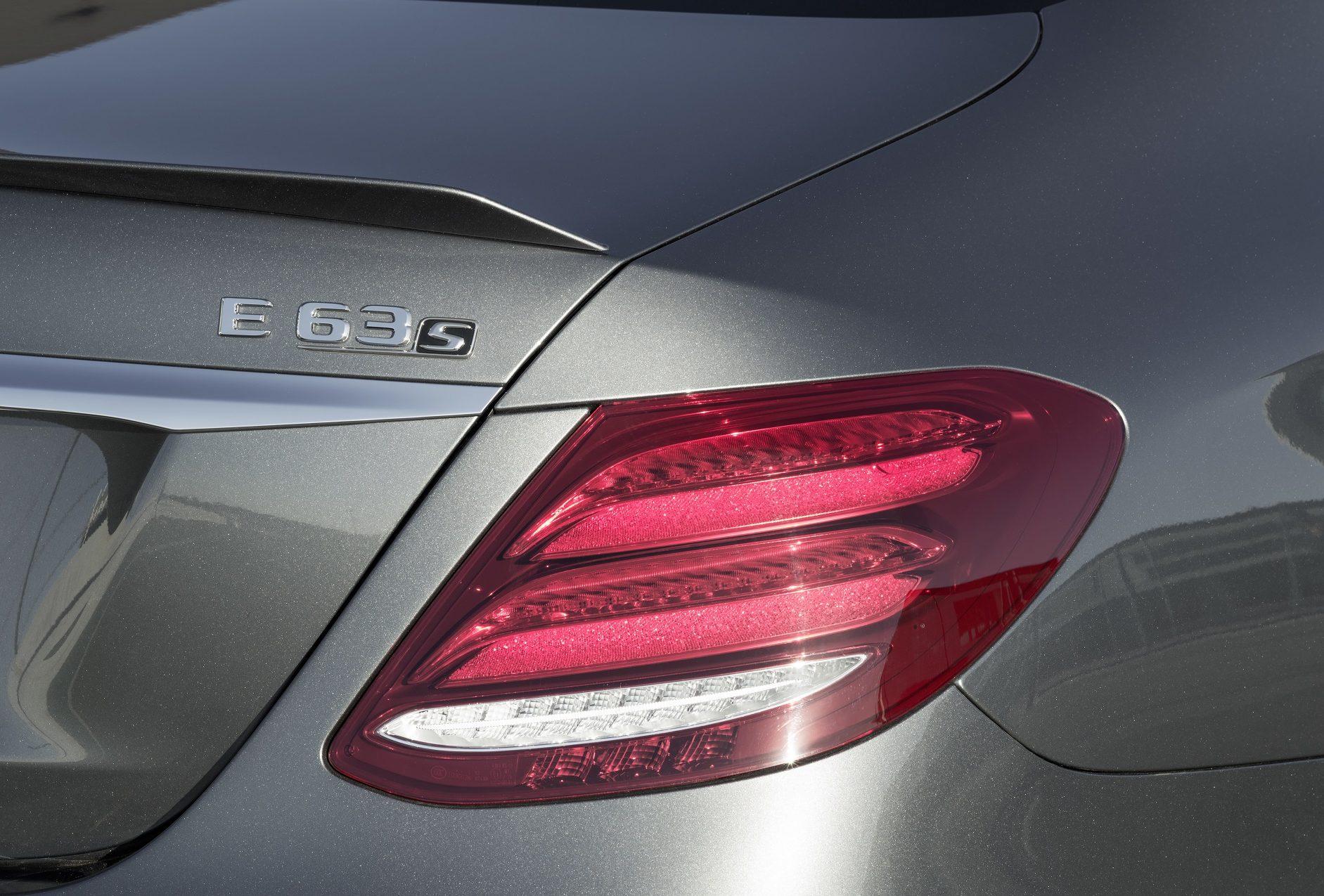 Mercedes-AMG E 63 S 4MATIC+, Detailaufnahme ;Kraftstoffverbrauch kombiniert: 9,2 – 8,9l/100 km; CO2-Emissionen kombiniert: 209 - 203 g/km  Mercedes-AMG E 63 S 4MATIC+, detail shot; Fuel consumption combined: 9,2 – 8,9 l/100 km; Combined CO2 emissions: 209 - 203 g/km